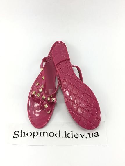 Стильные шлепанцы Valentino-1